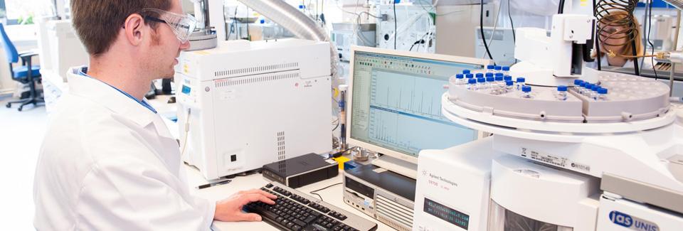 Asbeiten im Labor bei Sasol